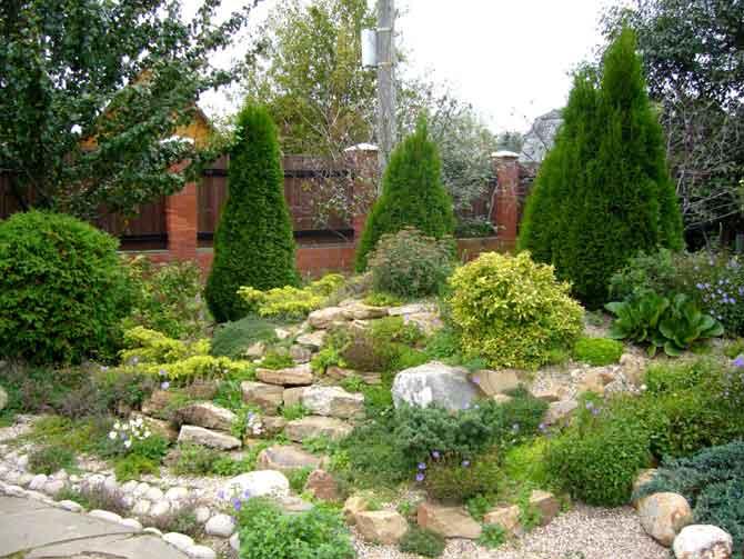 Самые красивые поделки на садовом