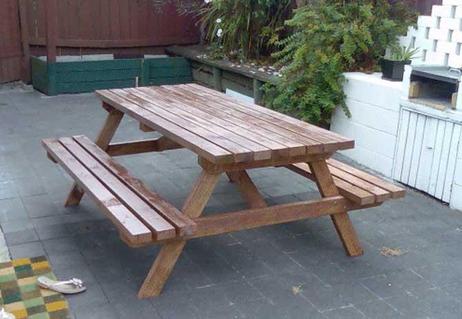 Как сделать стол с скамьями